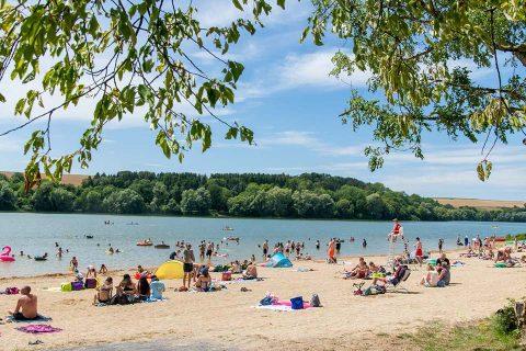 Baignade au lac de Bairon